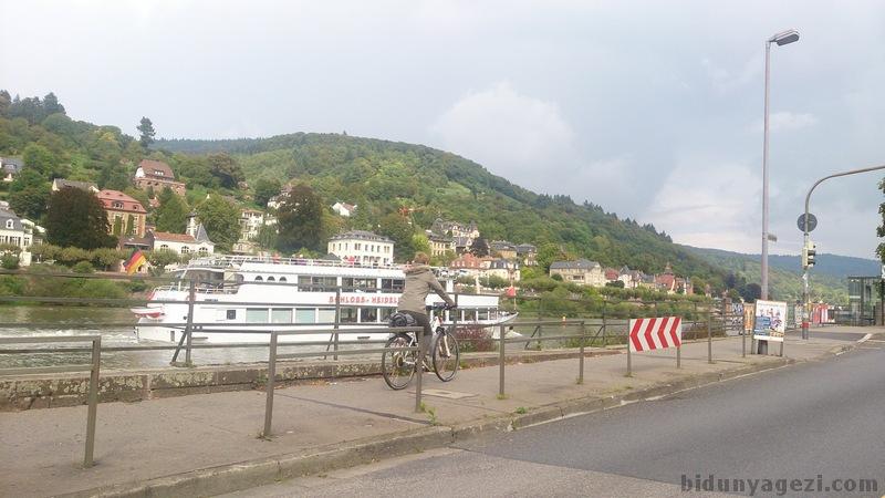 Neckar nehri