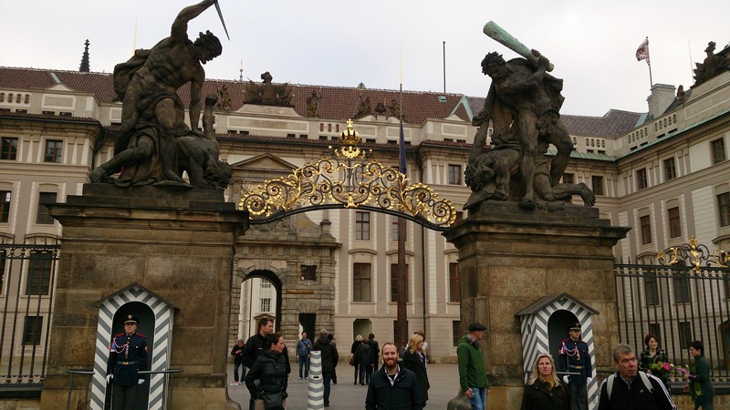 Prag kalesi girişi