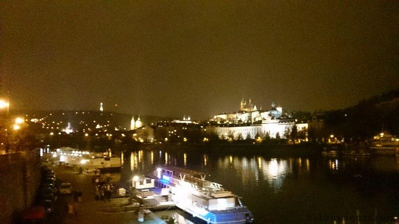 Gece ışıklarında Prag