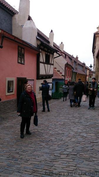 Prag kalesi sokakları